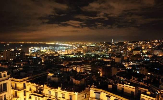 اجمل اماكن  في الجزائر alger%252520nuit.jpg