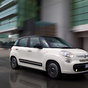 2013-Fiat-500L-MPV-Official-18.jpg