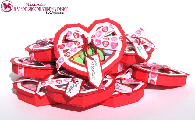 Heart see-thru lid box - SnapDragon Snippents - Caja en forma de corazon - Ruthie Lopez. 4