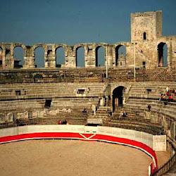 526 Anfiteatro Arles.jpg