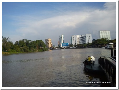 kuching_waterfront_sampan_ride_1