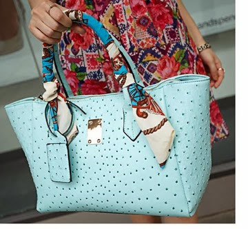 U7628 (210.000) MATERIAL PU SIZE L43XH26XW13CM WEIGHT 750GR COLOR BLUE,PINK (WITH SCARF) (2)