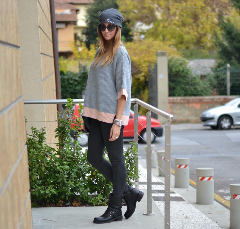 Primark, Primark pull, Zara, Zara leggings, Zara Bag, Strategia Boots, Strategia, Rinascimento, Rinascimento Hat, Valentino Sunglasses, Valentino, Street style, Fashion Blogger Firenze, Italian Fashion Bloggers, Fashion Bloggers, Fashion Blog