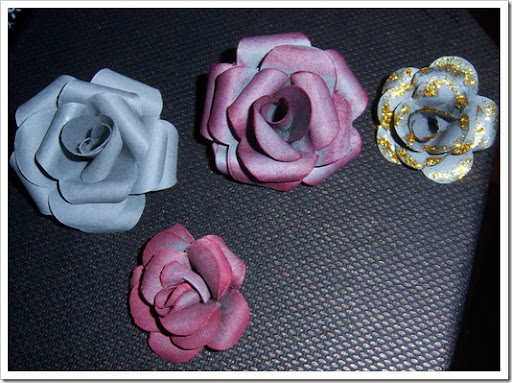 Manualidades kriss Rosas de cartulina