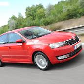 2013-Skoda-Rapid-Sedan-Red-Color-6.jpg