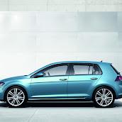 2013-Volkswagen-Golf-7-3.jpg