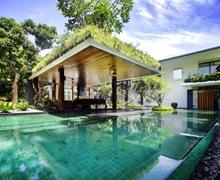 Revestimiento-en-piscina
