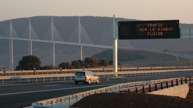 millau-viaduct-17