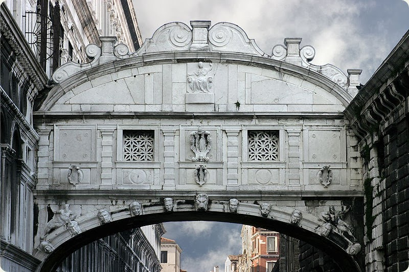 Venice_-_The_Bridge_of_Sighs