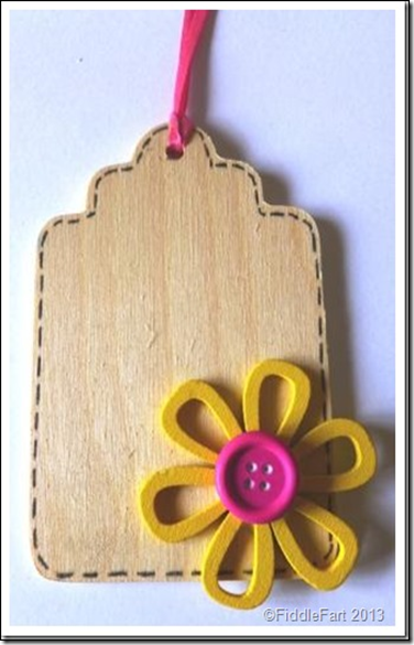 simple wooden gift tag with wooden flower embellishment