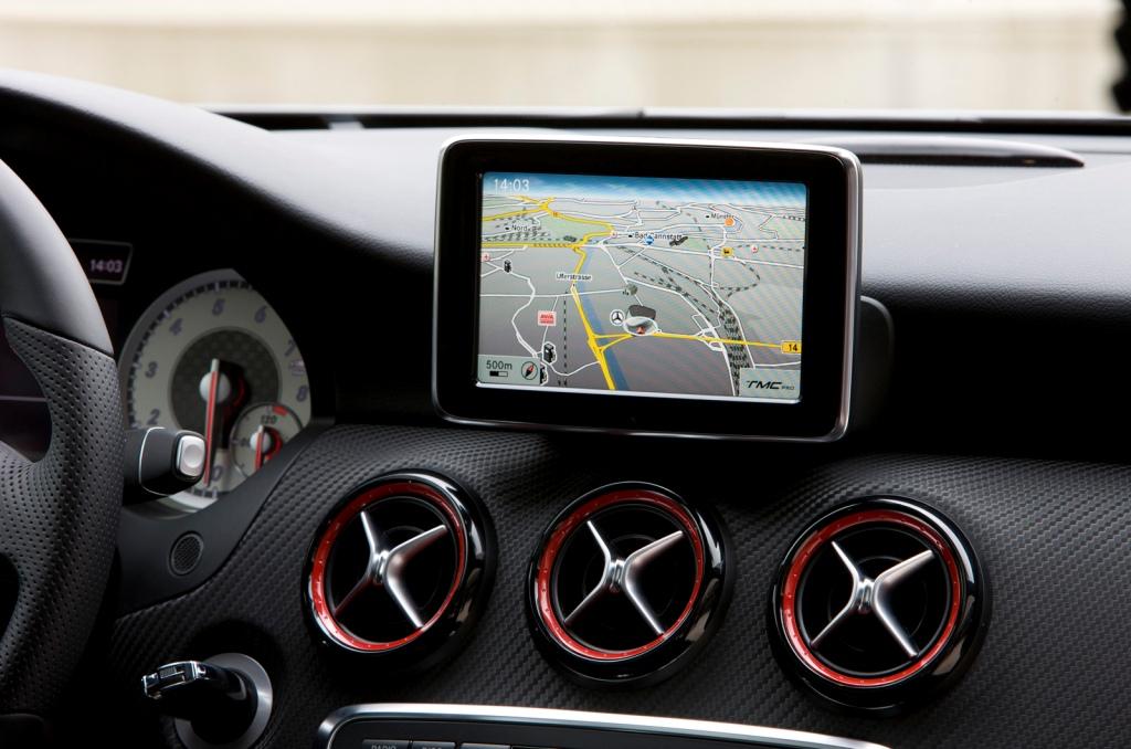 2013-Mercedes-A-Class-Interior-8.jpg?imgmax=1800