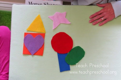 Felt-Shape-Games from Teach Preschool