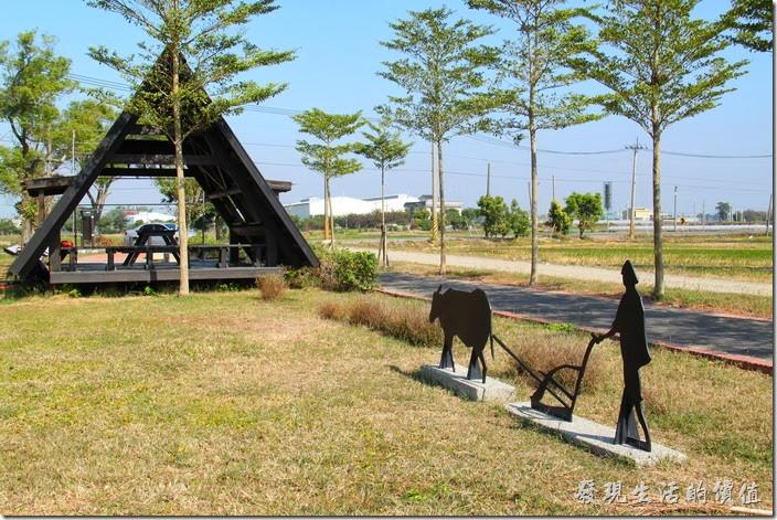 台南-土溝村。這裡也有自行車道,有個休息站。