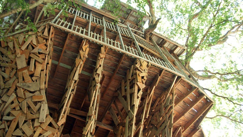 Biggest Treehouse In The World Inside massive tree house in crosville, tennessee: the largest in the
