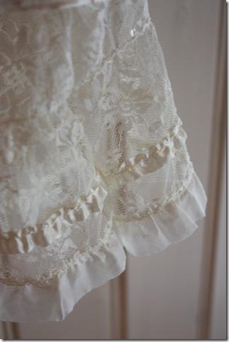 Håndlaget dåpskjole heklet blonder IMG_2071