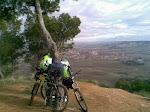 Bonitas vistas. Abajo Alcalá y al fondo el parque natural