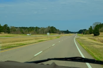 unbelieveable wide open non traffic day crossing Mississippi