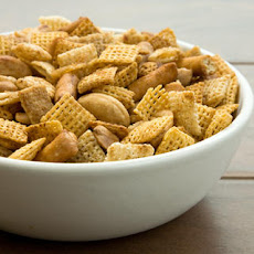 Spicy Cereal and Nut Mix Recipe