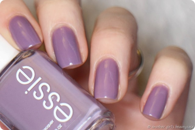 LFB Flieder Essie Warm and toasty turtleneck Swatch (1 von 5)