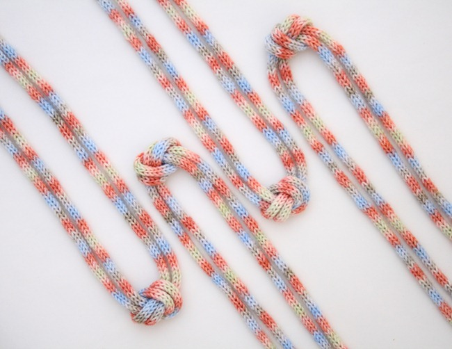 knitted knotted necklace 4d