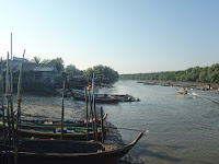 Erik_Horstman_Dawn_in_a_mangrove_village_Ban_Ko_Khiam,_Thailand.JPG