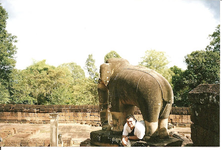Angkor Wat: Under the elephant