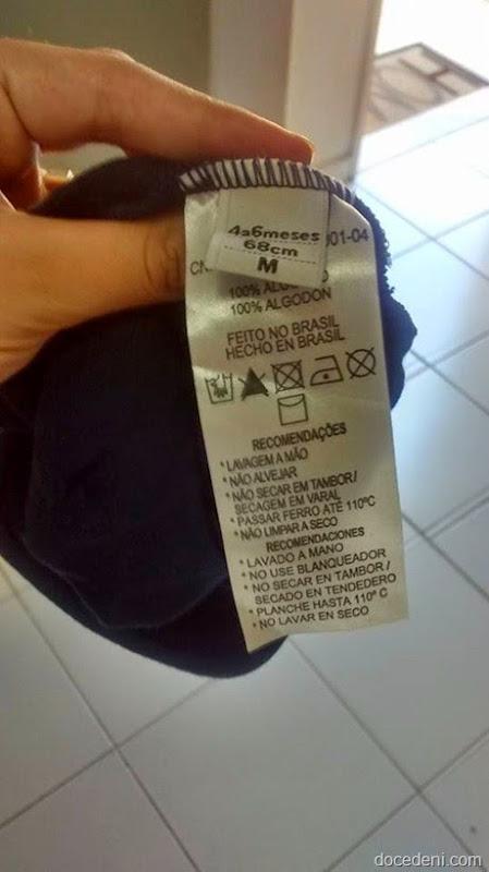 etiqueta em roupa de bebê