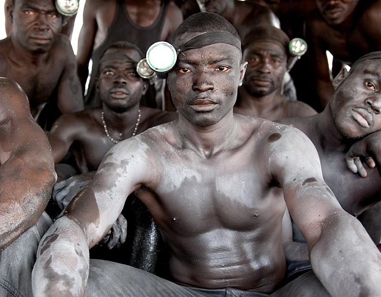 Раб в туалете насрала на раба 14 фотография