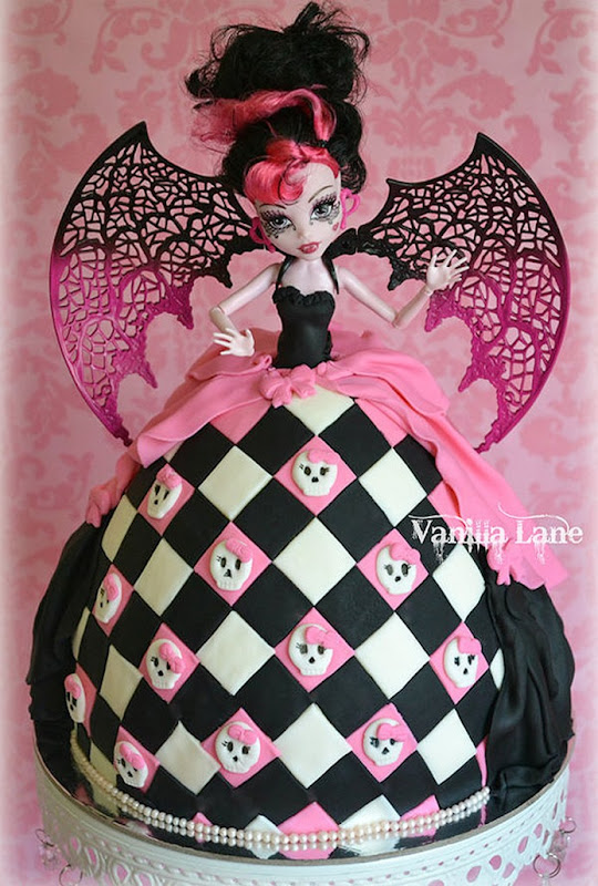 bolo-boneca-monster-high-1