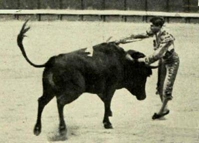 1913-06-05 Joselito estocada a Jimenito