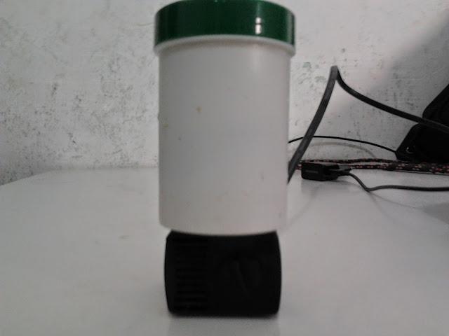 Filtro feito com Potinho de Ração para pequenos aquarios 2014-06-30%25252011.05.15