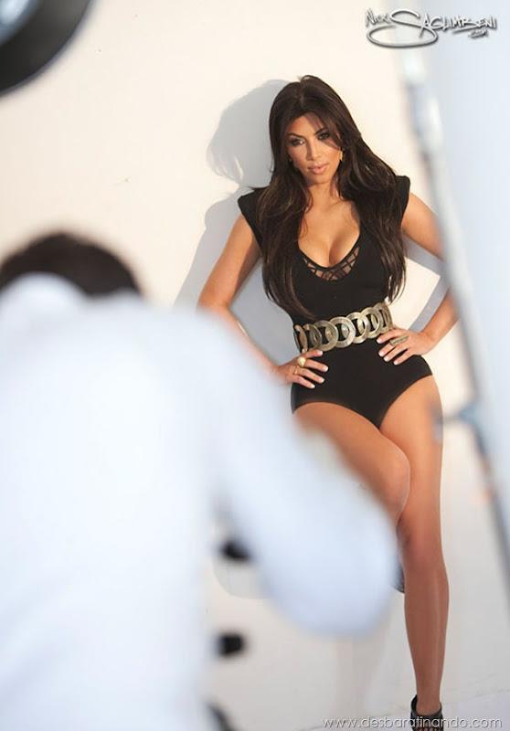 kim-kardashian-linda-sensual-sexy-sedutora-boob-peitos-decote-ass-bunda-gostosa-desbaratinando-sexta-proibida (22)