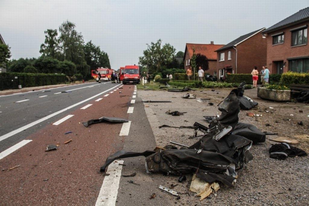 Audi-S8-Accident-8%25255B2%25255D.jpg