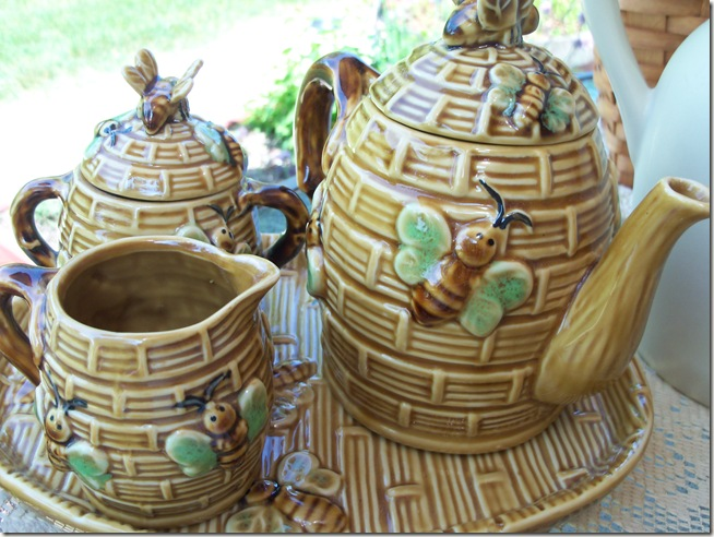Bumble Bee Tea 006