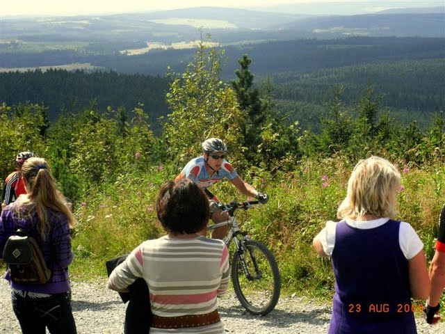 vier-huebel-tour-2009-wellenschaukel-fichtelberg-uwel.jpg
