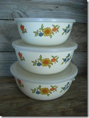 enamel mixing bowls with lids