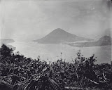 View of Bandaneira and Gunung Api (unknown photographer, 1870-1892) Courtesy TropenMuseum Archives