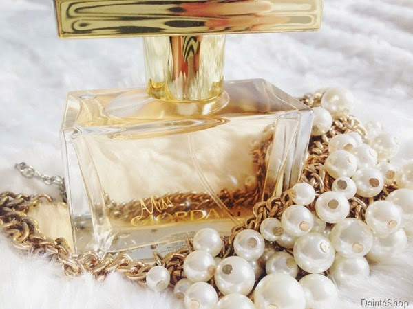 perfume-oriflame-miss-giordani-gold-dainte-blogger-spela-seserko