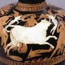 Hidria ateniense de figuras rojas (400-300). Encontrada en la Cirenaica, Libia. Con atribución desconocida a Kerch. Londres, Museo Británico (detalle)