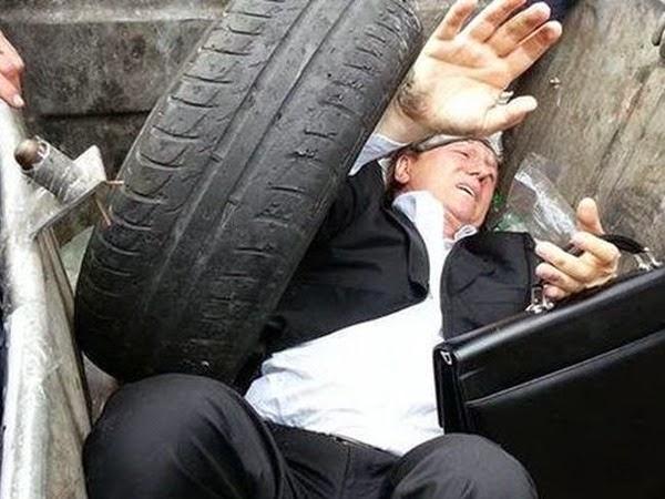 Lanzar políticos a la basura se ha puesto de moda en Ucrania