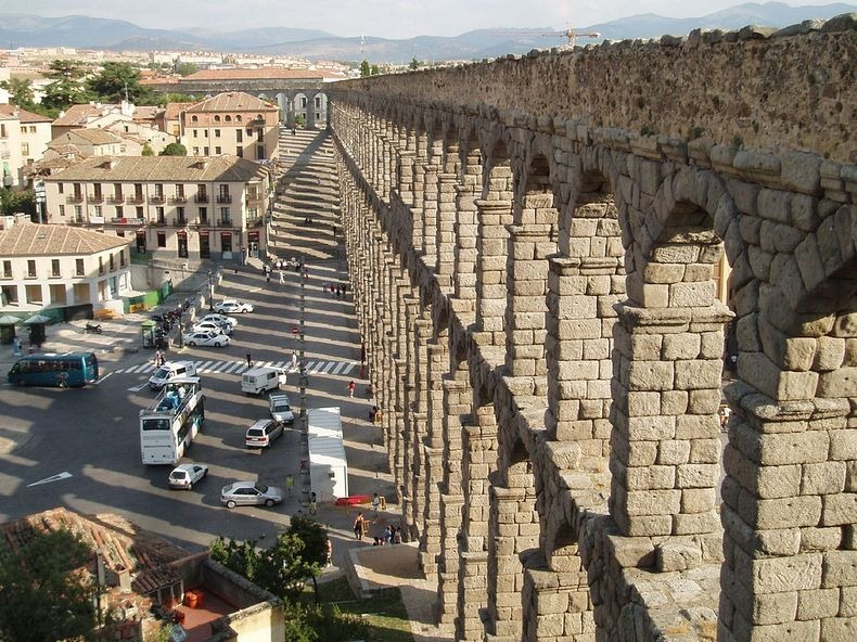 segovic-aqueduct-5