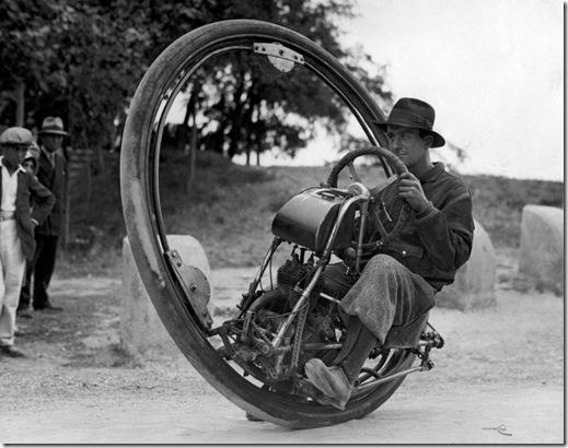 Monowheel-built-by-M.-Goventosa-740x582