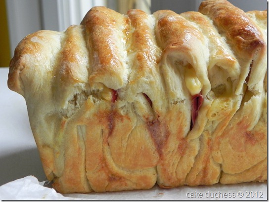 cheesy-pull-apart-bread-1