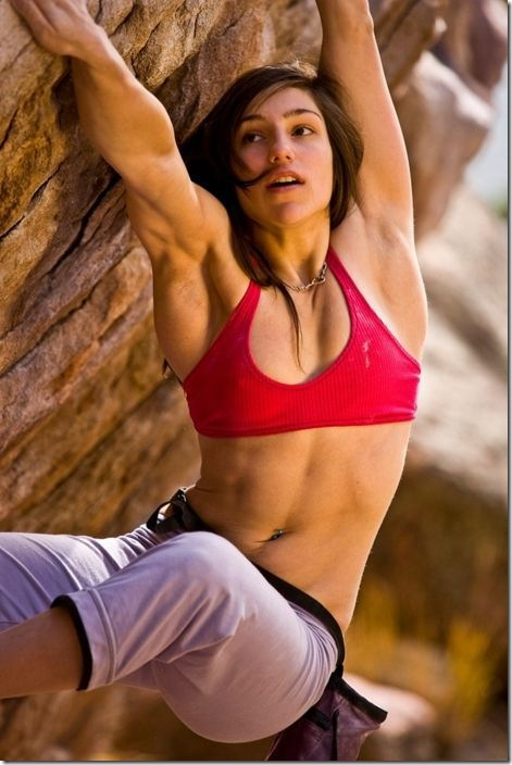girls-rock-climbing-27