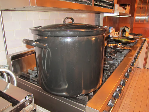 That is one giant pot.  Why, it's big enough to cook a small dog.  Watch out Francesca and Sharkey!