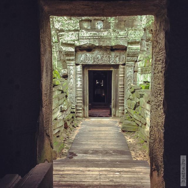10. Ангкор Том, Angkor Tom. Окультуренная для туристов часть.