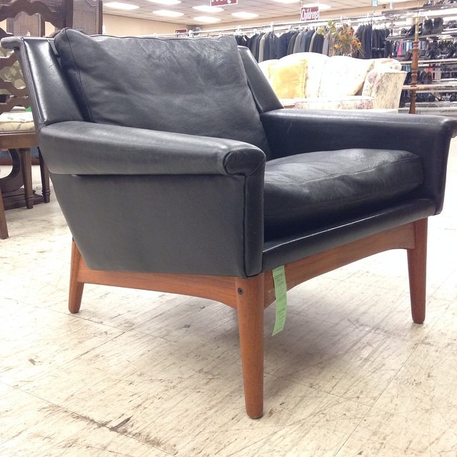thriftscorethursday laughingabi mcm chair
