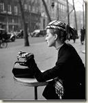 Capucine au café de la Paix 1952 par Gambier