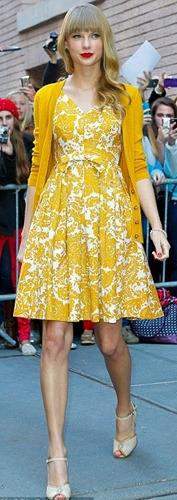 Taylor_Swift_Yellow_Dress