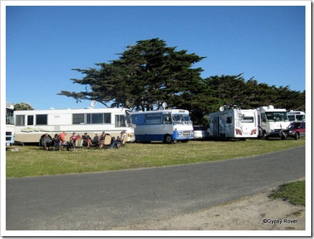 4zzzz's at Ngatitoa Domain 9 Motorhomes and 1 caravan
